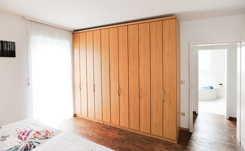 FEWO Schlafzimmer Kleiderscrhrank